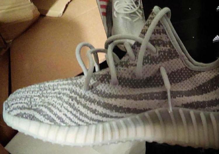 adidas-yeezy-350-boost-zebra-stripes-1-desempacados