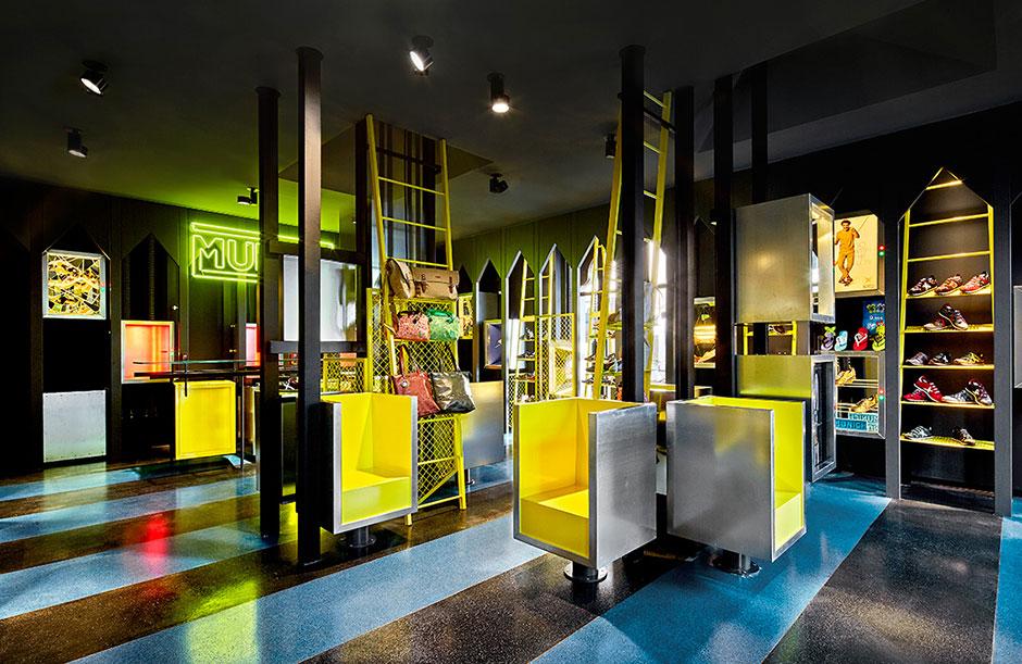 Munich 2015Desempacados Roca La Store Barcelona Village 5AjL4c3RqS